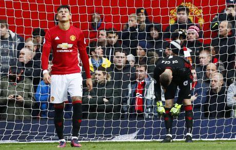 Mourinho tranh mat Wenger sau tran hoa that vong - Anh 9