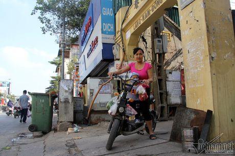 An hoa 'bom chay' giang khap pho Ha Noi - Anh 17