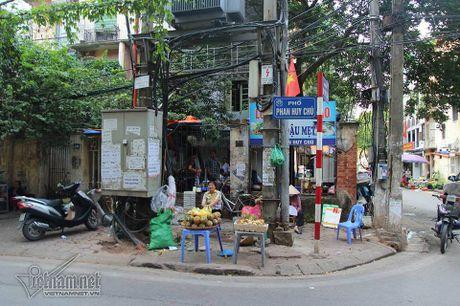 An hoa 'bom chay' giang khap pho Ha Noi - Anh 3