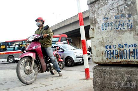 An hoa 'bom chay' giang khap pho Ha Noi - Anh 7