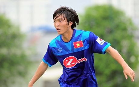 AFF Cup 2016: HLV Huu Thang 'gat le' loai tro cung - Anh 1
