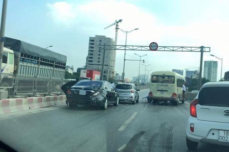Xe khach tong mop duoi xe hop Mercedes S500 - Anh 1