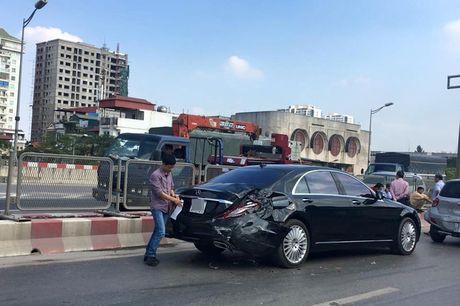 Xe khach tong mop duoi xe hop Mercedes S500 - Anh 2
