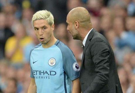 Pep Guardiola noi gi ve lenh cam sex va uu ai dac biet cho John Stones? - Anh 1