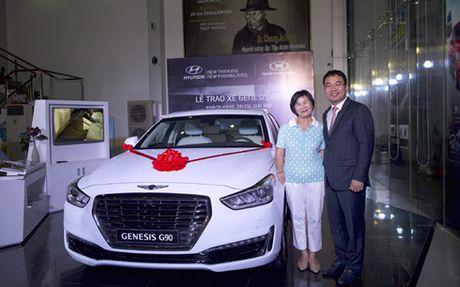 Hyundai Thanh Cong trao thuong Genesis G90 cho golf thu - Anh 2