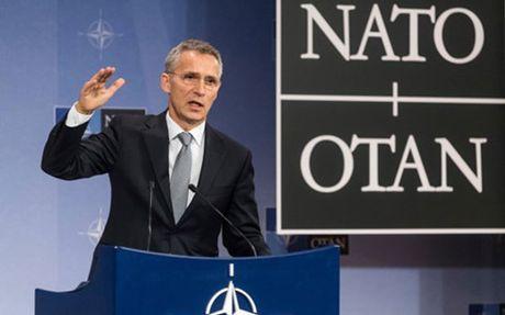 Khoi quan su NATO tin tuong My se khong quay lung voi ho - Anh 1