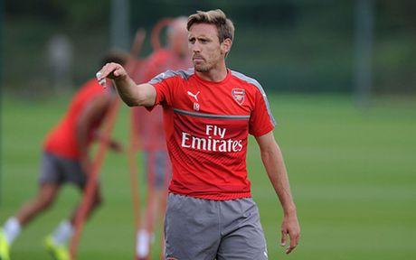 Doi hinh 'cong thu toan dien' cua Arsenal truoc MU - Anh 3