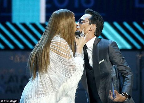 Marc Anthony ly than voi vo tre sau gan 2 nam chung song - Anh 2