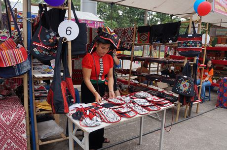 Hoi cho Craft Link: Noi ton vinh hang thu cong Viet - Anh 1