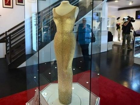 Can canh chiec vay 4,8 trieu USD cua Marilyn Monroe - Anh 6