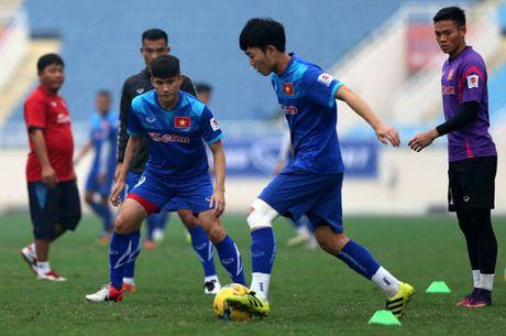DIEM TIN SANG (20.11): Bao ngoai danh gia cao Thanh Luong, Xuan Truong va Cong Vinh - Anh 1