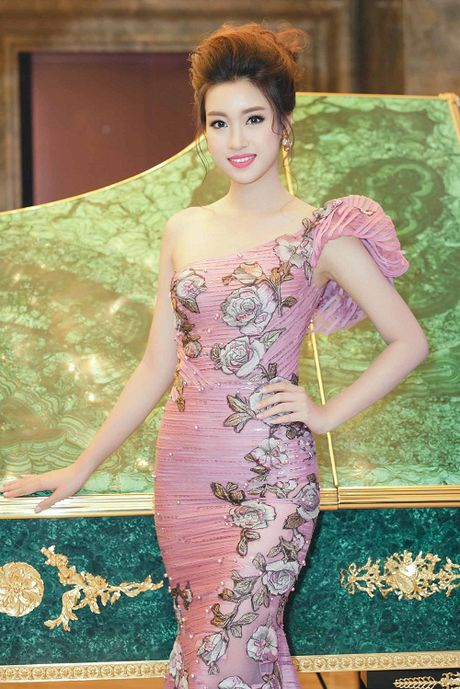 My Linh dien style goi cam, lan at diva Hong Nhung - Anh 2