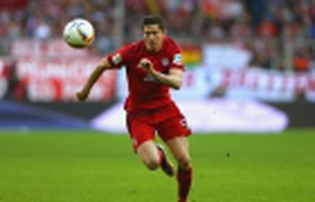 Aubameyang ha guc 'Hum xam', Bundesliga them phan kich tinh - Anh 5