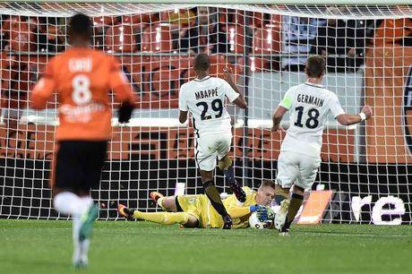 Vong 13 Ligue 1: Falcao gop cong giup Monaco soan ngoi Nice - Anh 1
