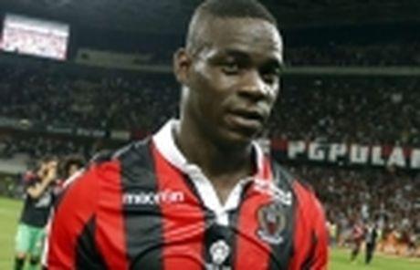 Vong 13 Ligue 1: Falcao gop cong giup Monaco soan ngoi Nice - Anh 5