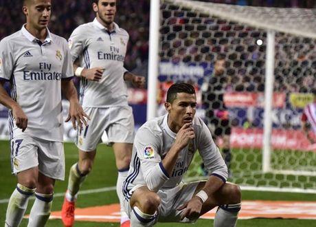 Cristiano Ronaldo gay sot voi kieu an mung 'venh mat' - Anh 1