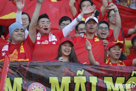 Fan nu Viet Nam tuoi tan 'dot lua' khan dai Thuwanna - Myanmar - Anh 11