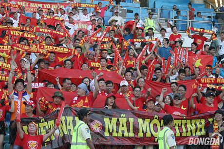 Fan nu Viet Nam tuoi tan 'dot lua' khan dai Thuwanna - Myanmar - Anh 12