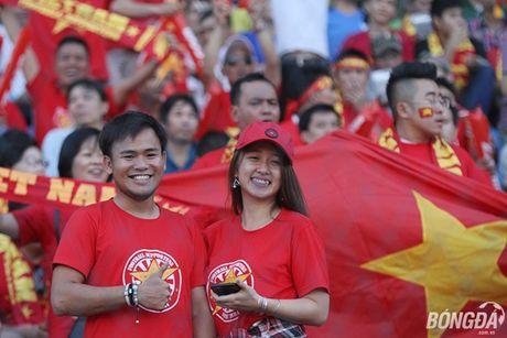 Fan nu Viet Nam tuoi tan 'dot lua' khan dai Thuwanna - Myanmar - Anh 3