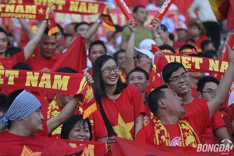 Fan nu Viet Nam tuoi tan 'dot lua' khan dai Thuwanna - Myanmar - Anh 6