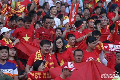 Fan nu Viet Nam tuoi tan 'dot lua' khan dai Thuwanna - Myanmar - Anh 9