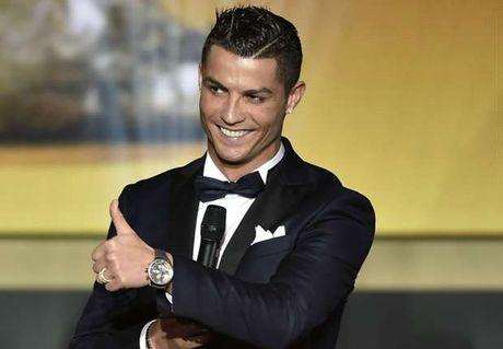 Ronaldo khang dinh tham vong 'vuot mat Messi' - Anh 1