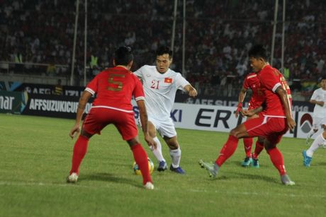 DT Viet Nam 2-1 DT Myanmar: Nguoi hung Cong Vinh - Anh 1