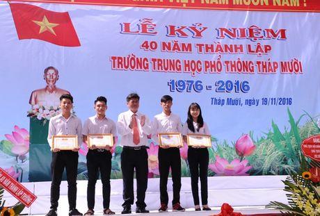 Thay tro vung dat Sen hong 40 nam hoi ngo - Anh 4