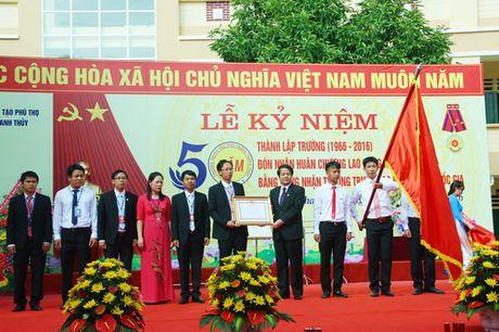 Phu Tho: Truong THPT Thanh Thuy don nhan Huan chuong Lao dong hang Nhat - Anh 1