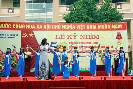 Phu Tho: Truong THPT Thanh Thuy don nhan Huan chuong Lao dong hang Nhat - Anh 6