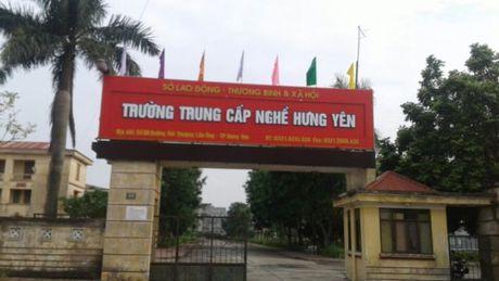 Phan anh sai pham trong mua sam thiet bi tai Truong trung cap nghe Hung Yen: Pho Thu tuong Thuong truc Truong Hoa Binh yeu cau xac minh, lam ro - Anh 2