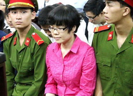 Dai an Huynh Thi Huyen Nhu: Them 10 sep ngan hang bi truy to - Anh 1