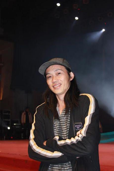 NSUT Hoai Linh: Co don sau anh den san khau - Anh 2