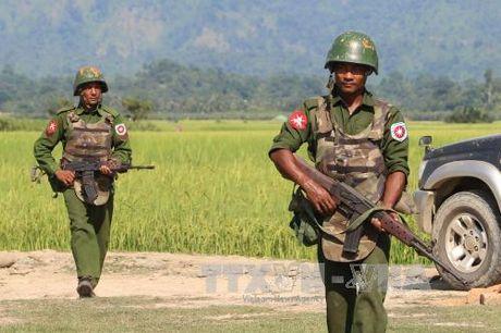 Giao tranh du doi tai thi tran bien gioi Myanmar - Anh 1