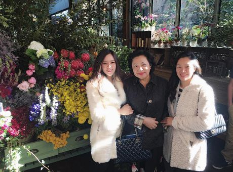 Cuoc song nhung lua dang mo cua em gai Ong Cao Thang - Anh 10
