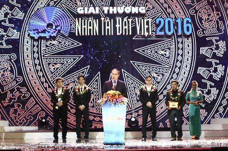 Vinh danh hai quan quan linh vuc CNTT tai Nhan tai Dat Viet 2016 - Anh 1
