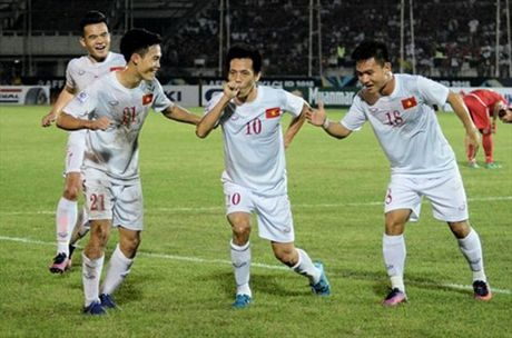 AFF SUZUKI CUP 2016: Viet Nam ha Myanmar trong tran mo man - Anh 1