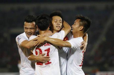 DT Viet Nam: Van Quyet mo hang, fan ngap tran vui suong - Anh 5