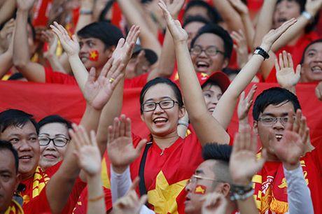 DT Viet Nam: Van Quyet mo hang, fan ngap tran vui suong - Anh 8