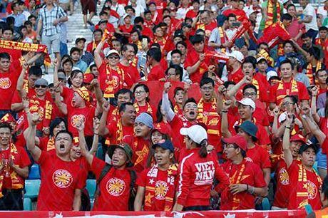 DT Viet Nam: Van Quyet mo hang, fan ngap tran vui suong - Anh 9