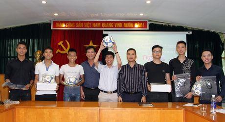 Ban doc An ninh Thu do hung khoi nhan giai 'Du doan thong minh - Rinh qua y nghia' - Anh 10