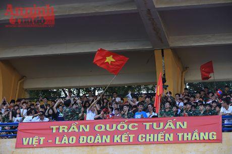 Cac co dong vien 'chay' het minh cho tran chung ket bong da hoc sinh Ha Noi - Anh 5