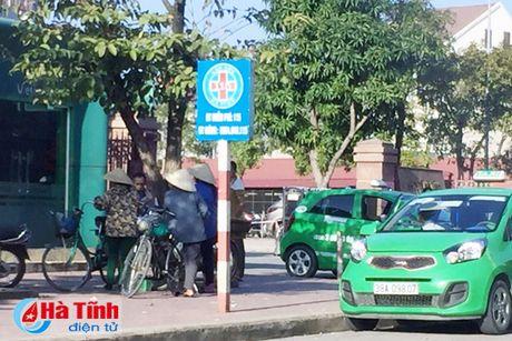 Tai dien canh ban hang rong truoc cong BVDK Ha Tinh - Anh 7