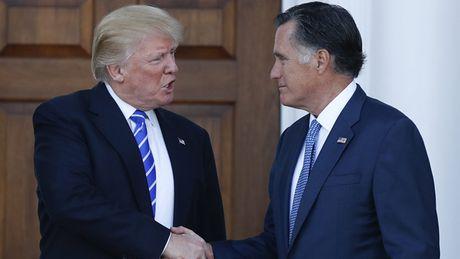 Donald Trump va Mitt Romney ban ky tinh hinh the gioi - Anh 1