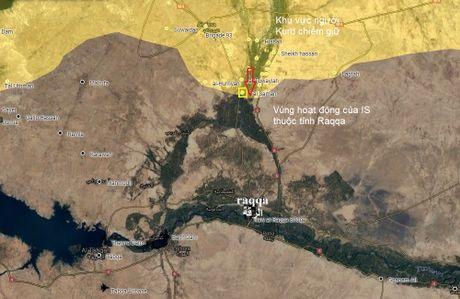 Video chien su Syria: Khoc liet 30.000 chien binh Kurd tien danh sao huyet IS - Anh 1