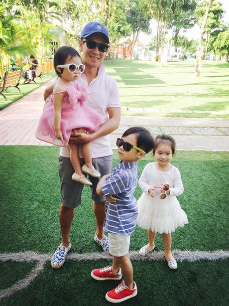 Sao Viet (20/11): Ly Hai vui ve ben gia dinh, HH Ky Duyen choi cung dan cun con - Anh 2