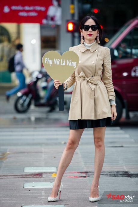 Mac lum xum, Xuan Lan cung dan tro cung van tu tin khoe street style tren pho Sai Gon - Anh 14