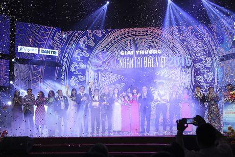 Nhan tai Dat Viet lan dau tien vinh danh 2 giai nhat CNTT - Anh 1