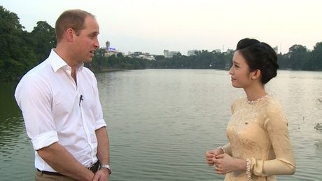 Dieu Ngoc tran tinh khi bi to dao keo, song gia doi truoc them Hoa hau The gioi - Anh 2