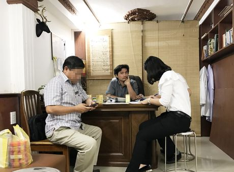 Phong kham khong phep 'no' tren Facebook: Tien mat tat mang! - Anh 1